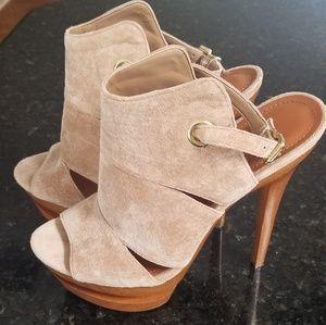 Jessica Simpson platform heels, size 8